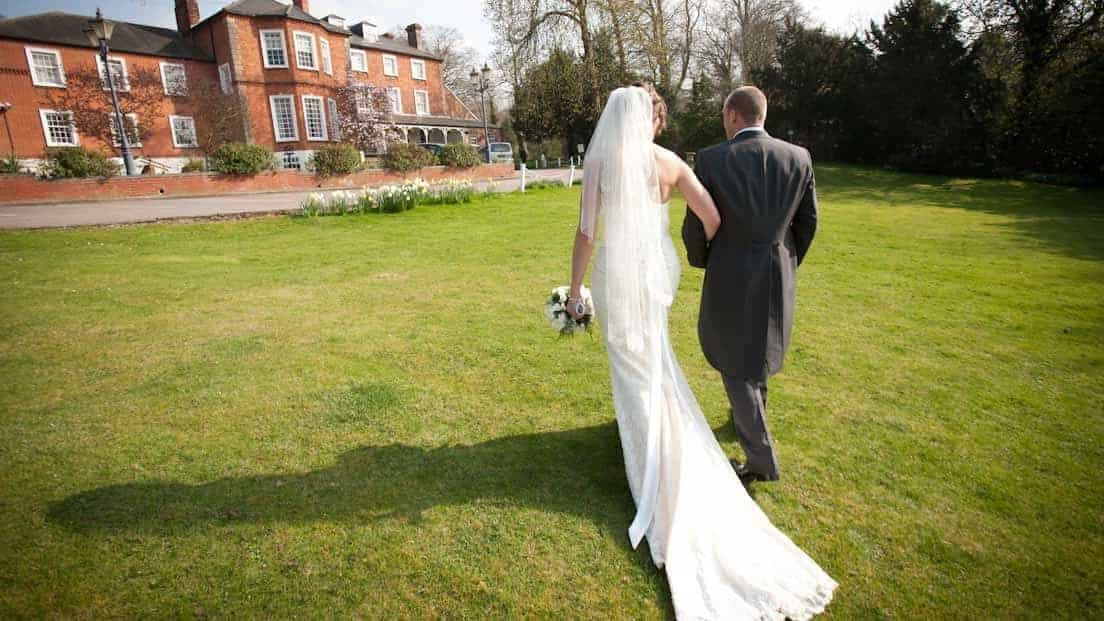 Kent wedding venues brandshatch place hotel hand picked hotels wedding venue in kent solutioingenieria Images