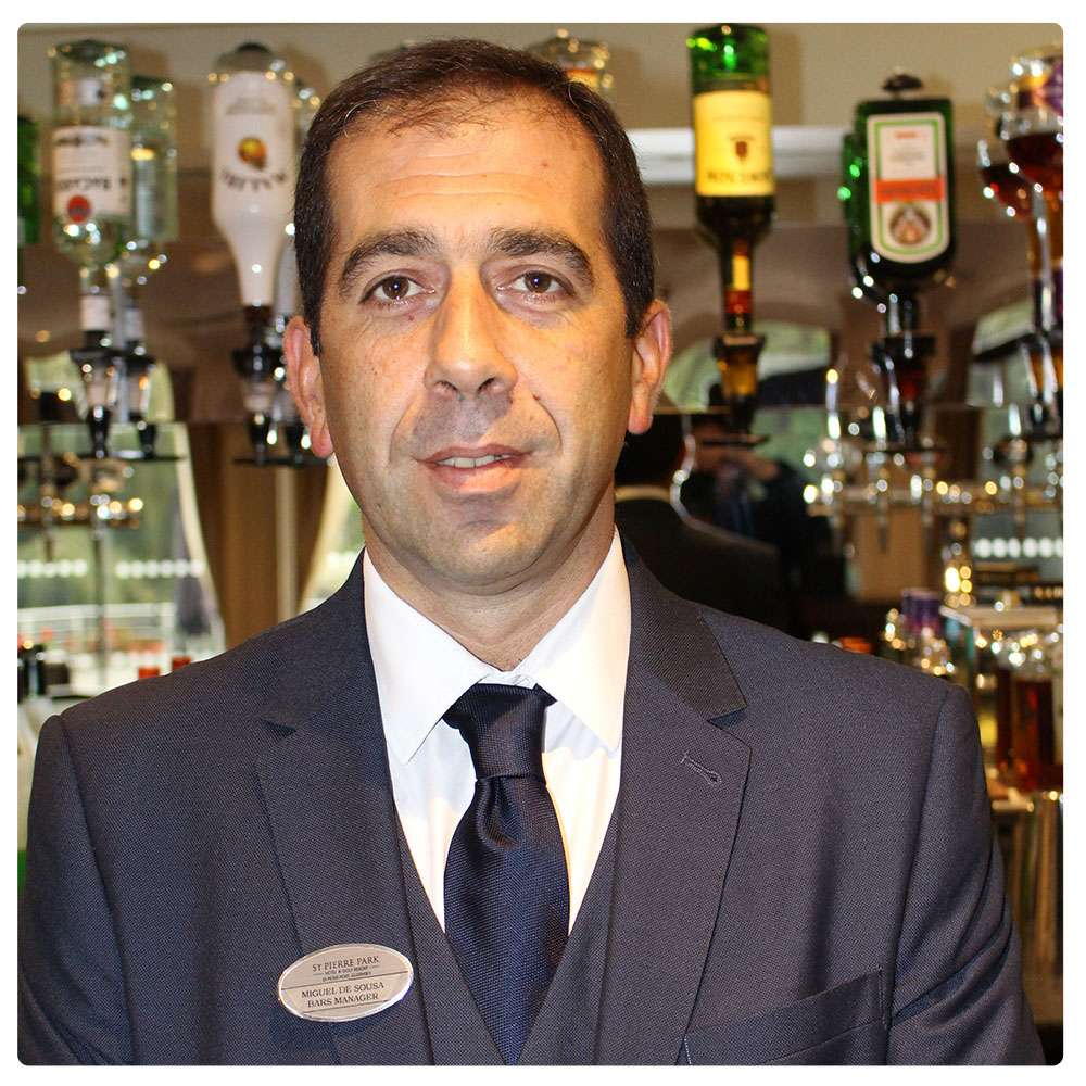 halloween themed ice cubes hand picked hotels i am miguel de sousa bar manager at st pierre park hotel spa golf resort i have been looking after the hotel s five bars since 2005