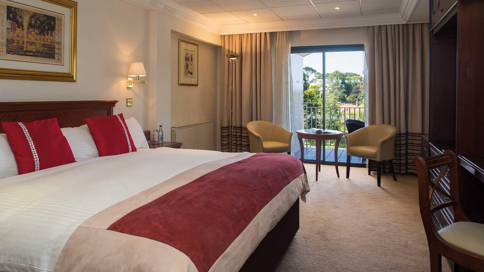 4  Hotel In Guernsey